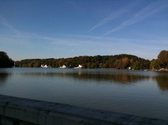Genval, Belgique : Great view of the Lake