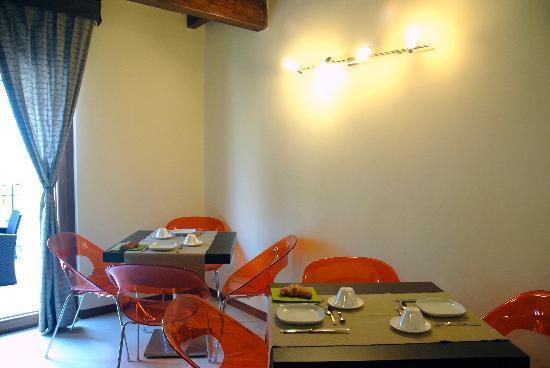 Le Fornaci Apartment : sala colazione