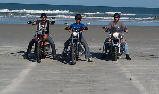 Howard Johnson Ormond Beach at Destination Daytona: On the beach. Biketoberfest 2011