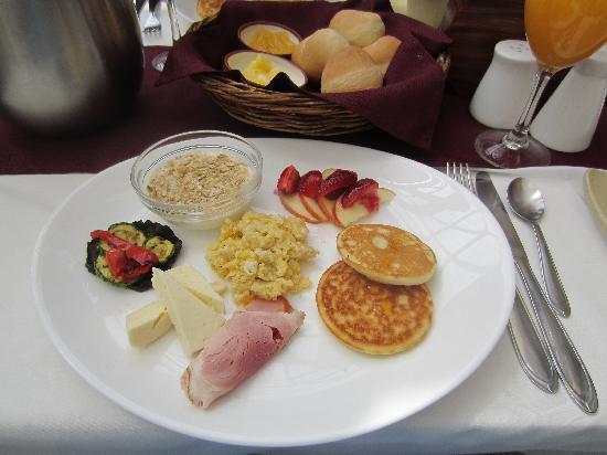 """Hotel Boutique """"El Consulado"""": Daily Breakfast"""