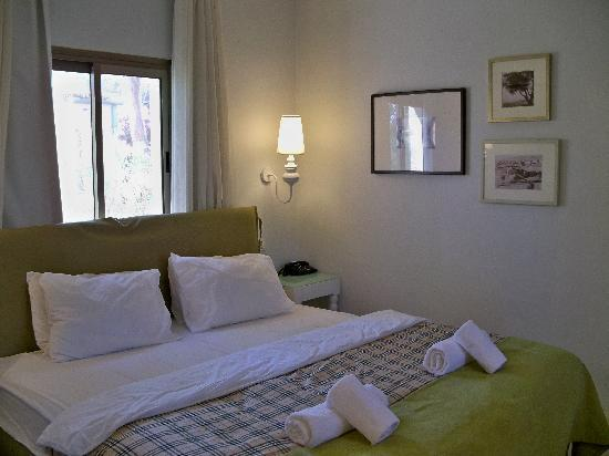 Kalia Guest House: 2. Room at Kibbutz Kalya.