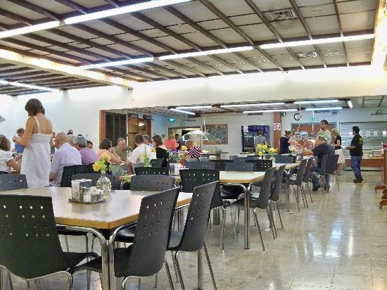 Kalia Guest House: 6. In the dining hall at Kibbutz Kalya. Nice community!