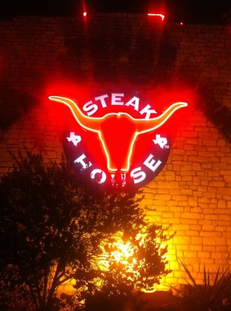 ‪Texas Land & Cattle Steakhouse‬