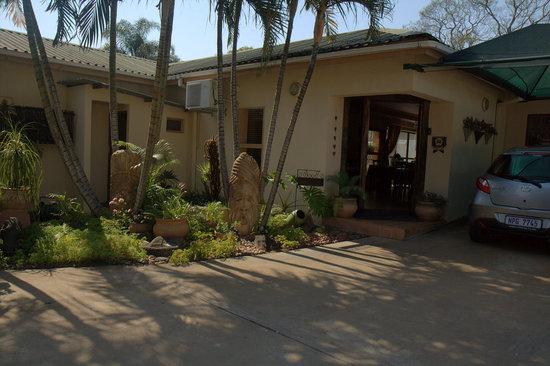 Aber Jetz Guesthouse: Reception & breakfast area