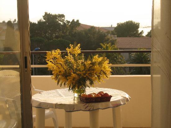 Residence Acquarine : Balcon au soleil, très agréable.