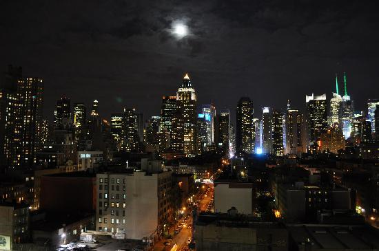 Ink48 - a Kimpton Hotel: View from our room at night... Fantastic.
