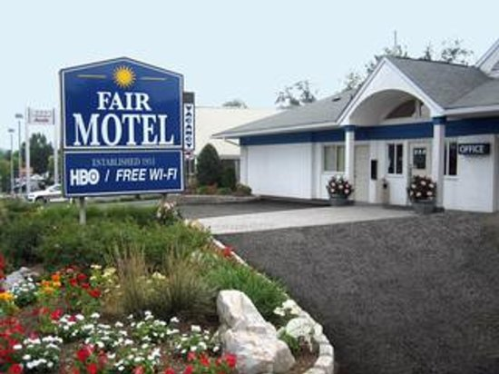 Upper Saddle River, NJ: Motel Front
