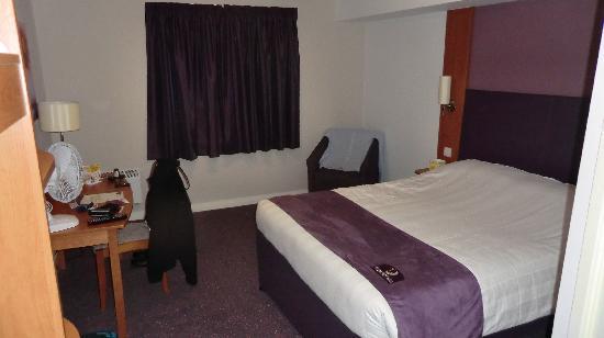 Premier Inn Walsall (M6, J10) Hotel: Nice clean room
