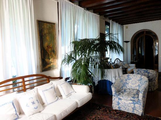 Villa Vega: Una sala al piano terra