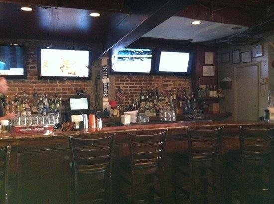 Dock Street Bar & Grill : friendly bar
