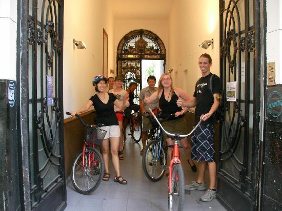 Vamos Spanish Academy: Group Activity - City bike tour