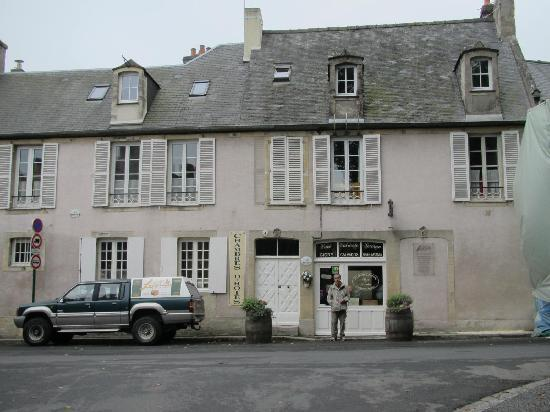 Logis Les Remparts -  Bed and Breakfast: B&B Entrance