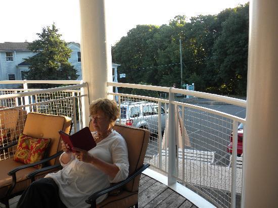 South Landing Inn: Our room had a pleasant balcony