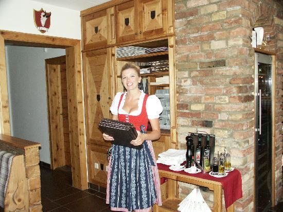 Gastwirtschaft Tafern: Bedienung Kathrin