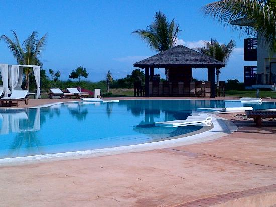 Melia Buenavista: main pool and pool bar