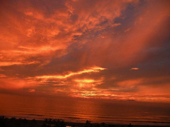 Grand Luxxe Nuevo Vallarta: Sunset before Hurricane Jova