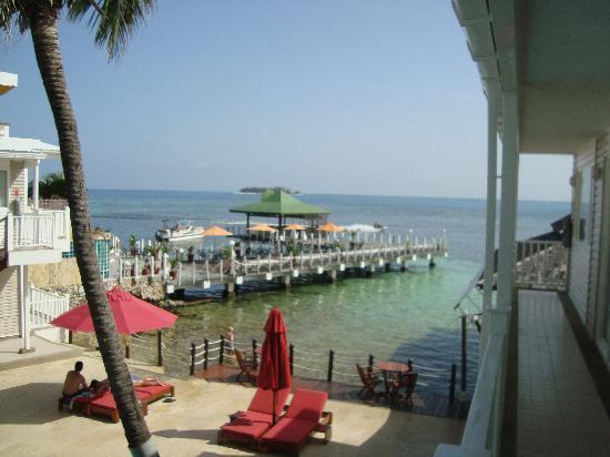 Decameron Los Delfines: RPraia saindo da piscina