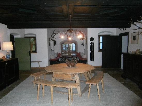 Schloss Prielau: second floor common room