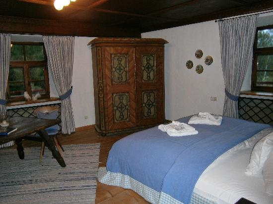 Schloss Prielau: bedroom in the Gerti suite