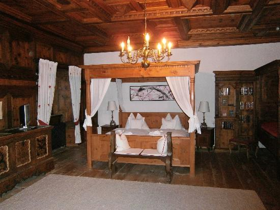 Schloss Prielau Hotel & Restaurants: bedroom in Hugo suite
