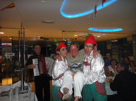 Villa Del Mar Hotel: October fest evening