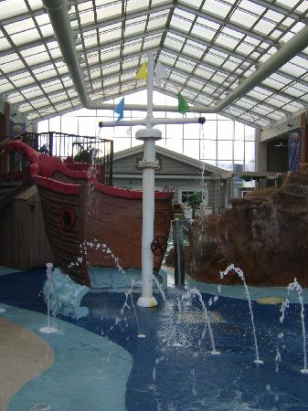 Comfort Inn Splash Harbor: another angle of splash area