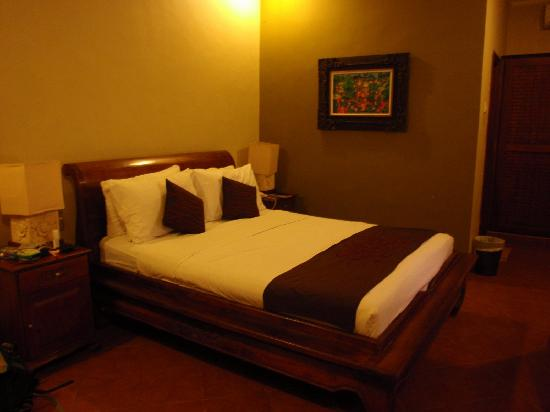 Puri Sindhu Mertha Guest House: bedroom