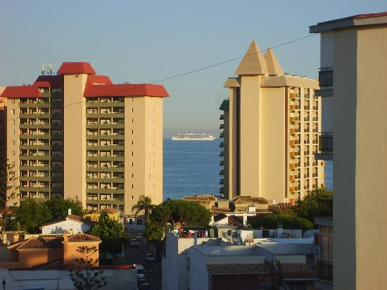 Veramar Apartments Fuengirola: Good view from the family room after we moved !