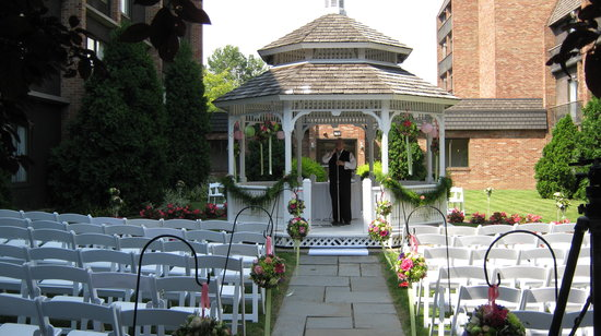 RIT Inn & Conference Center : Our beautiful Gazebo