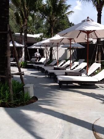 Holiday Inn Phuket Mai Khao Beach Resort : Main pool