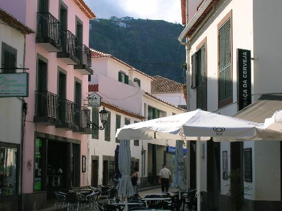 Vila Gale Santa Cruz: Santa Cruz street