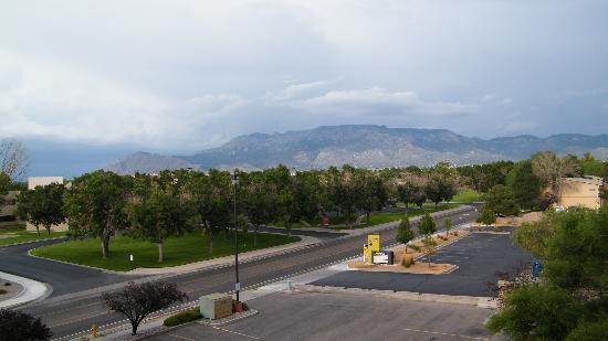 Nativo Lodge Albuquerque: view of Sandia Mt