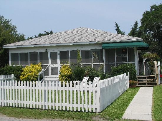 Edwards of Ocracoke: The Historic Lambert Cottage