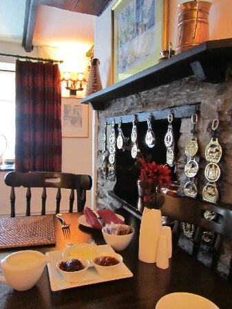 Cottage Bed and Breakfast: sala colazione
