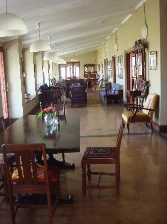 Drakensberg Mountain Retreat - Vergezient Lodge: interior of lodge