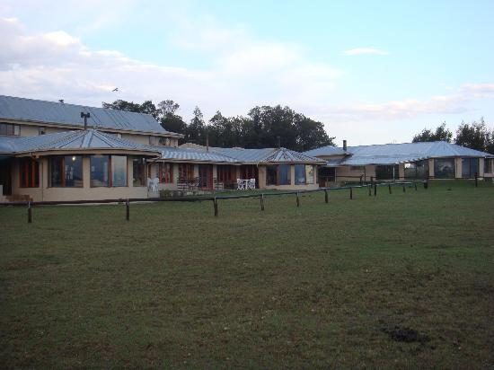 Drakensberg Mountain Retreat - Vergezient Lodge: the lodge from the outside