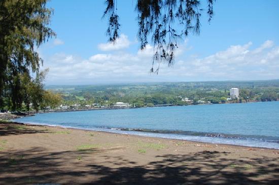 Pakalana Inn: Walkers can trek to Hilo Bayfront Park