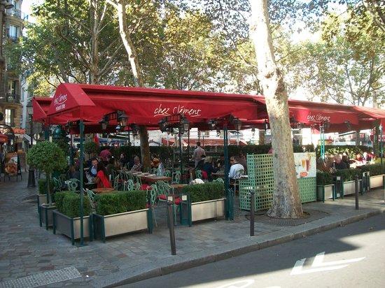 Chez Clement Cafe Rotisseur Saint Michel: Looks are deceiving