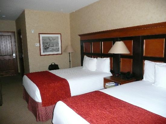 Diamond Mountain Casino and Hotel: beds