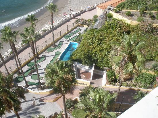 Playabonita Hotel: Minigolf visto desde la habitación