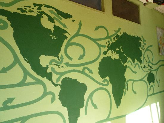 Hostel Pachamama : Beautiful art decorate the walls of the common areas