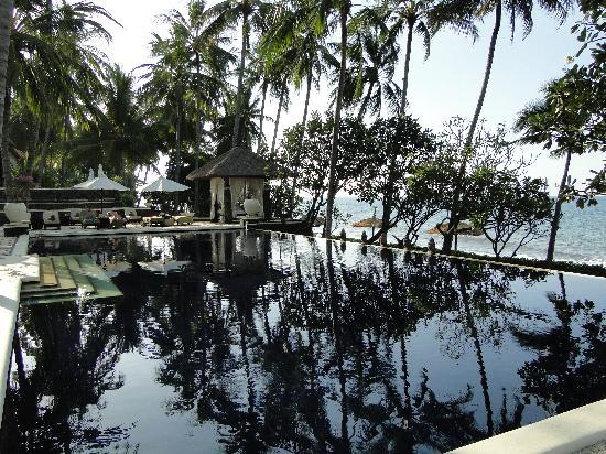 Spa Village Resort Tembok Bali: The infinity pool