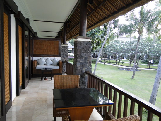 Spa Village Resort Tembok Bali: Surya suite balcony