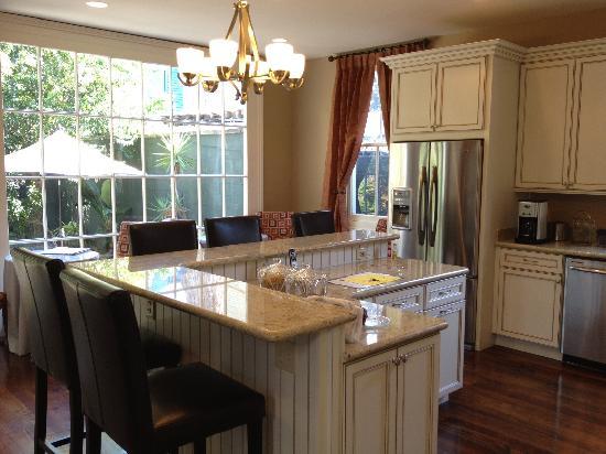 Kitchen sunroom picture of la maison marigny b b on for Kitchen design 70115