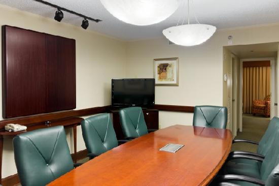 DoubleTree Suites by Hilton Hotel Philadelphia West: Conference Suite