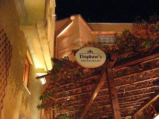 Daphne's: Sitting outside
