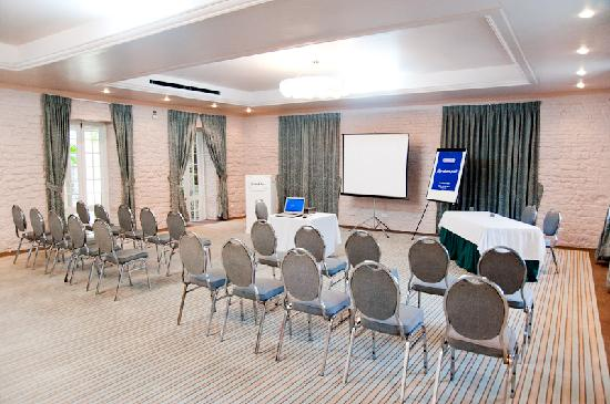 Island Inn Hotel: Conference Room