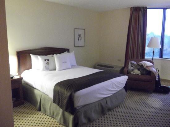 Doubletree by Hilton Hotel St Louis - Chesterfield: Rooms are gorgeous and super clean!!