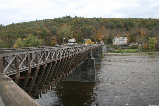 ‪‪Lackawaxen‬, بنسيلفانيا: Lackawaxen Aqueduct Bridge‬
