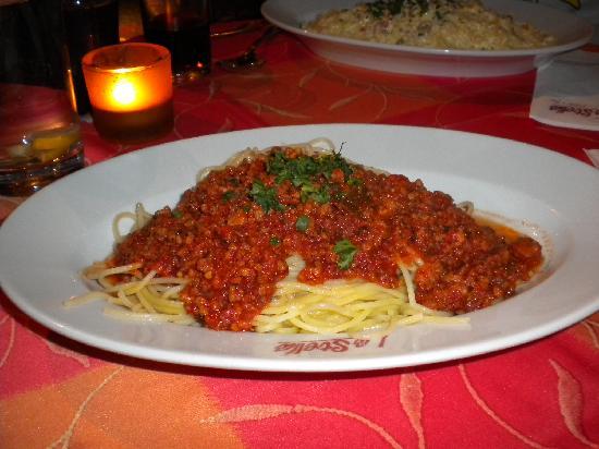 Trattoria La Stella: Spaghetti with meat sauce